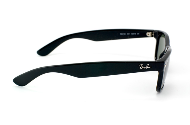 Ray-Ban New Wayfarer RB 2132 901 perspective view