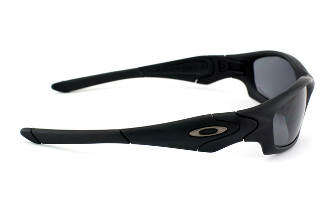 Oakley Straight Jacket OO 9039 24-124 perspective view