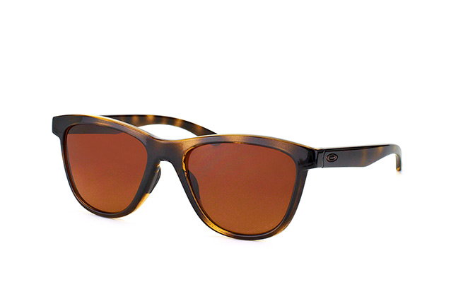 a94a437bbdc ... Oakley Sunglasses  Oakley Moonlighter OO 9320 04. null perspective view  ...