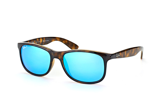Ray-Ban Andy RB 4202 710/9R perspective view