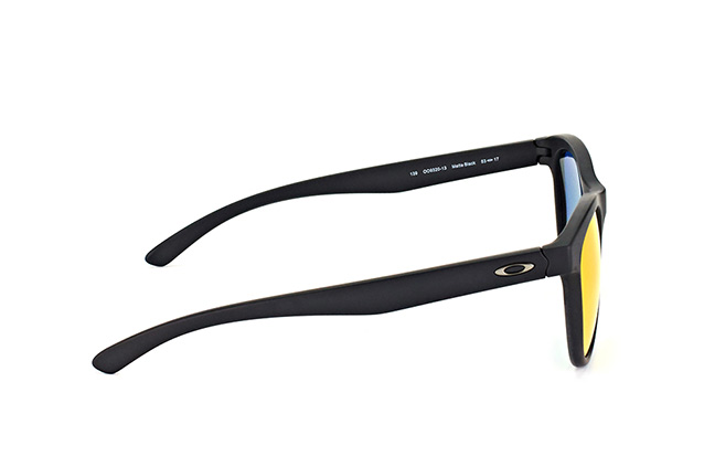 Oakley Moonlighter OO 9320 13 Perspektivenansicht