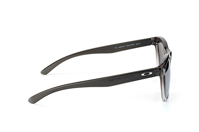Oakley Moonlighter OO 9320 07 perspective view