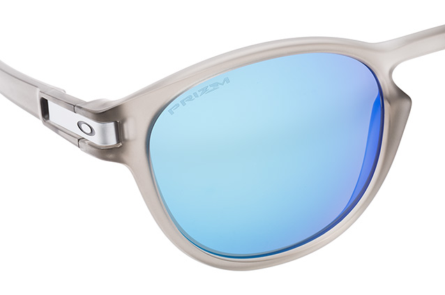 Oakley Latch OO 9265 32 perspective view