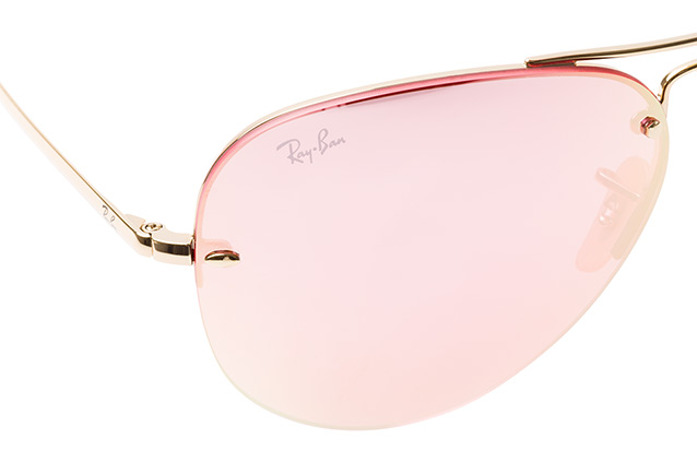 Ray-Ban RB 3449 001/E4 vista en perspectiva