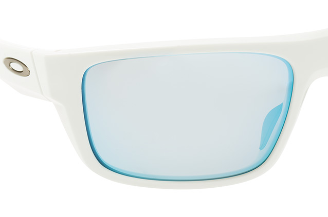 Oakley Drop Point OO 9367 14 vue en perpective