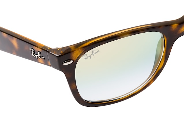 Ray-Ban New Wayfarer RB 2132 710/Y0 perspective view