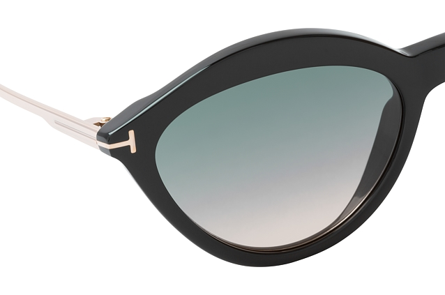 Tom Ford Chloe FT 0663/S 01B perspective view