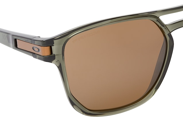 Oakley Beta OO 9436 03 perspective view
