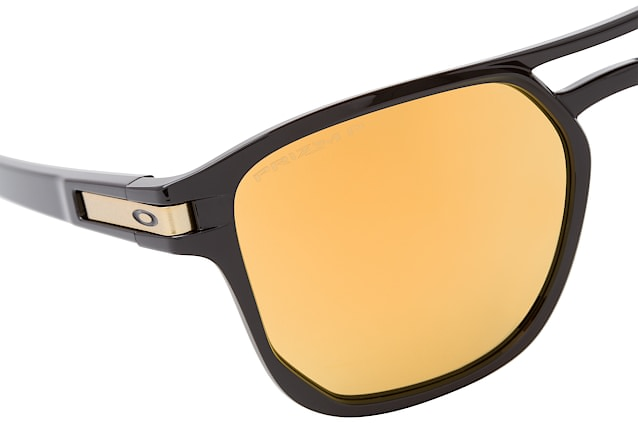 Oakley Latch Beta OO 9436 04 vue en perpective
