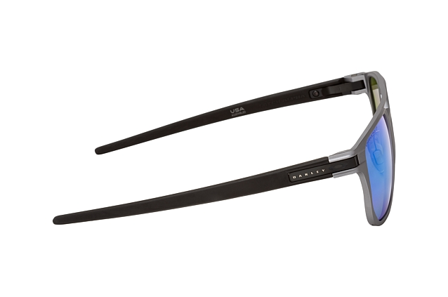 Oakley Latch Alpha OO 4128 04 vista en perspectiva