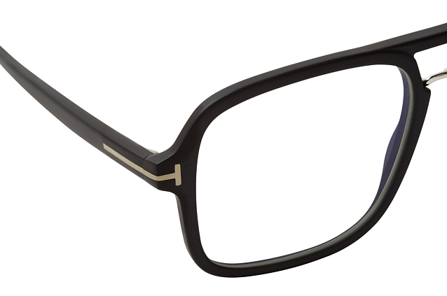 Tom Ford FT 5627-B 002 perspective view