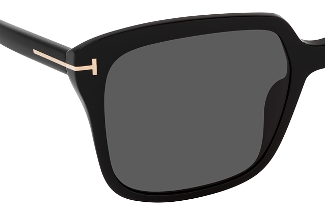 Tom Ford FT 0788 01A perspective view