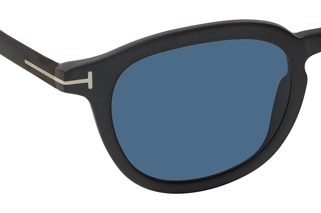 Tom Ford FT 0816 02V perspective view