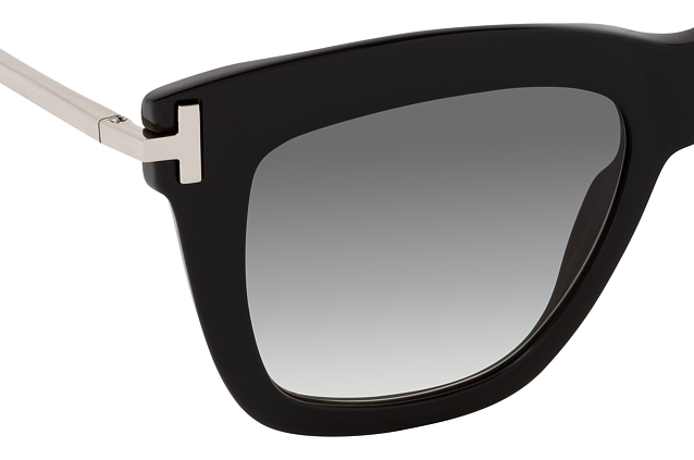Tom Ford Dasha FT 0822 01B perspective view