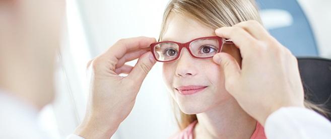 Det kan dock vara svårt som förälder att upptäcka dålig syn hos sitt barn  eftersom barnet oftast inte själv kan berätta detta. 45bd3620cca29